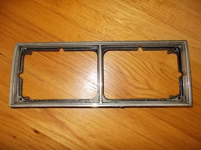 81-87 RH Headlight Bezel