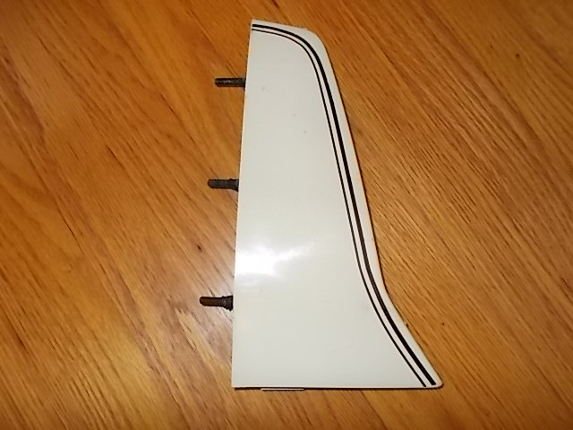 81-87 LH Taillight Extensions. white