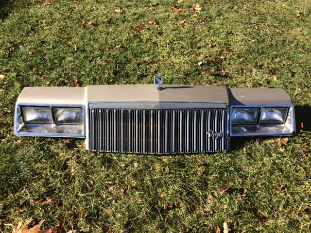 81-83 Regal Header Panel
