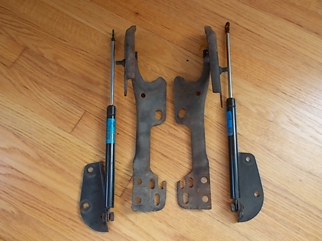 81-87 Regal Hood Hinges